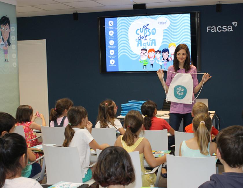 Cerca de 3.500 escolares de Castellón ya conocen 'El Curso del Agua' de la mano de FACSA