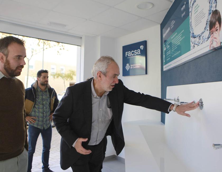 El Ayuntamiento de Castellón y FACSA presentan la séptima fuente pública de agua tratada por ósmosis inversa
