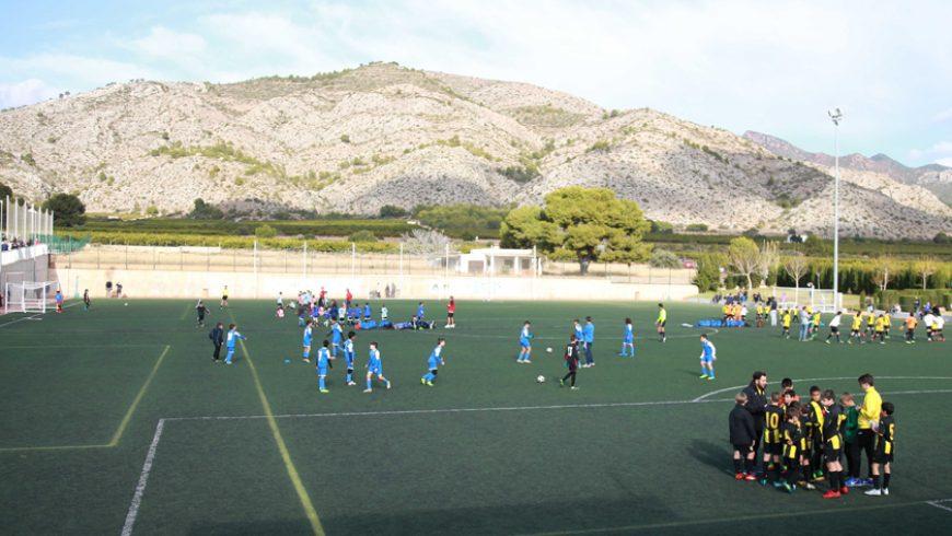 El II 'Trofeo FACSA' de Fútbol Base reúne a una treintena de equipos por Navidad
