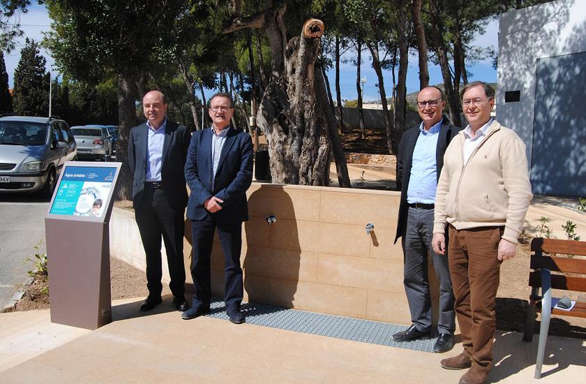 El Ayuntamiento de Alcalà-Alcossebre y FACSA inauguran dos nuevas fuentes de osmosis
