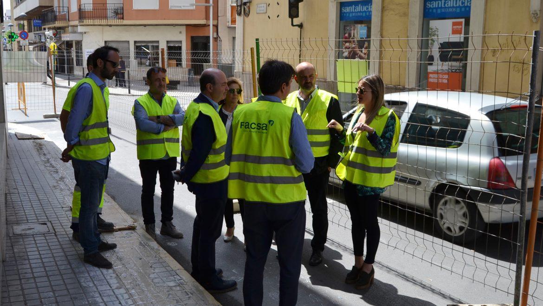 La Vall d'Uixó y FACSA renuevan la red de agua potable de la Plaza del Centro