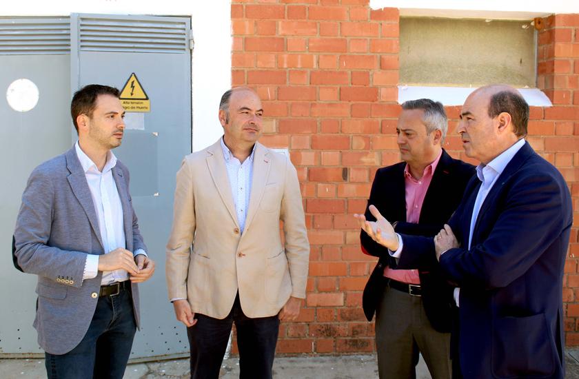 El alcalde Onda visita las mejoras en el pozo de los Santos Patronos, a cargo de FACSA, que abastece de agua el municipio