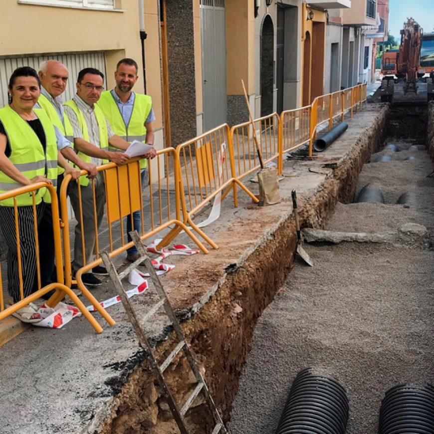 El Ayuntamiento de La Vilavella y FACSA renuevan la red de saneamiento de la calle Horta
