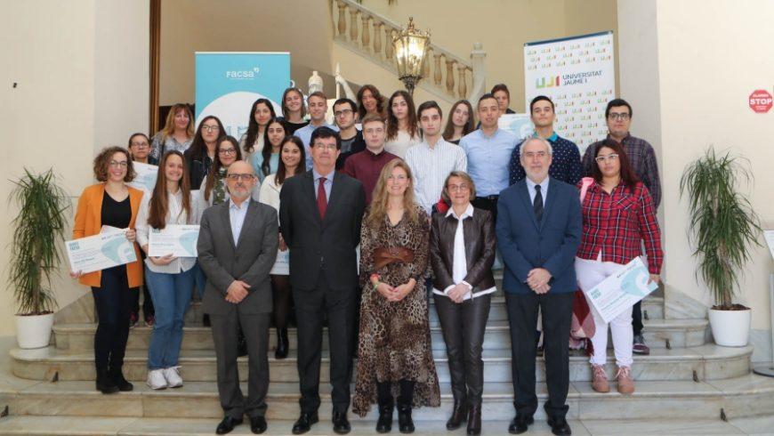 FACSA entrega 24 becas a alumnado de la UJI residente a Castelló