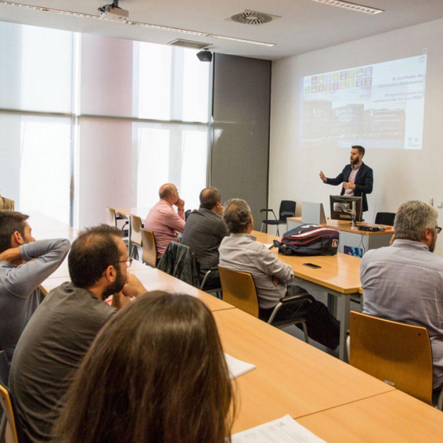 Manuel de Jesus, investigador de la Universidad de Cantabria, presenta en la UJI una metodología para evaluar los efectos del cambio climático en proyectos de recursos hídricos
