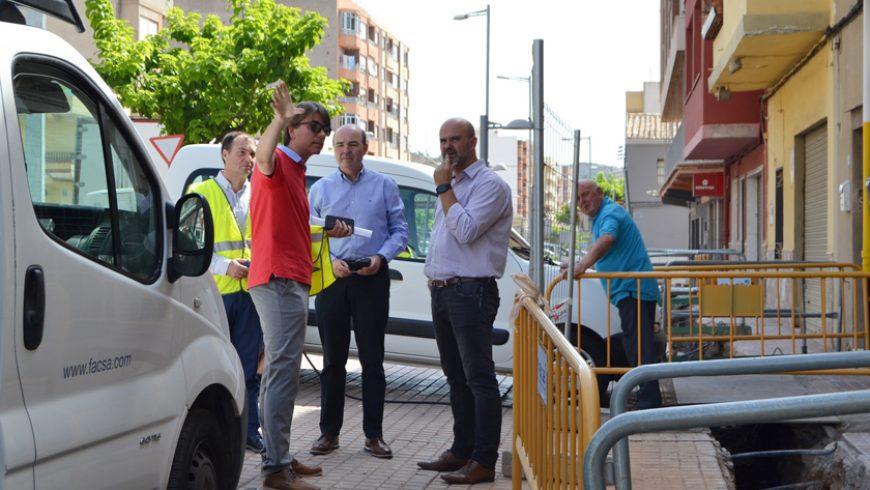 El Ayuntamiento de la Vall d'Uixó y FACSA inician los trabajos para renovar la red de agua potable