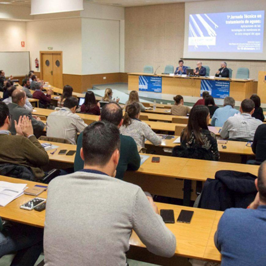 La Cátedra FACSA reúne en la UJI a los principales expertos para analizar los retos y aplicaciones de la microbiología en el ciclo integral del agua