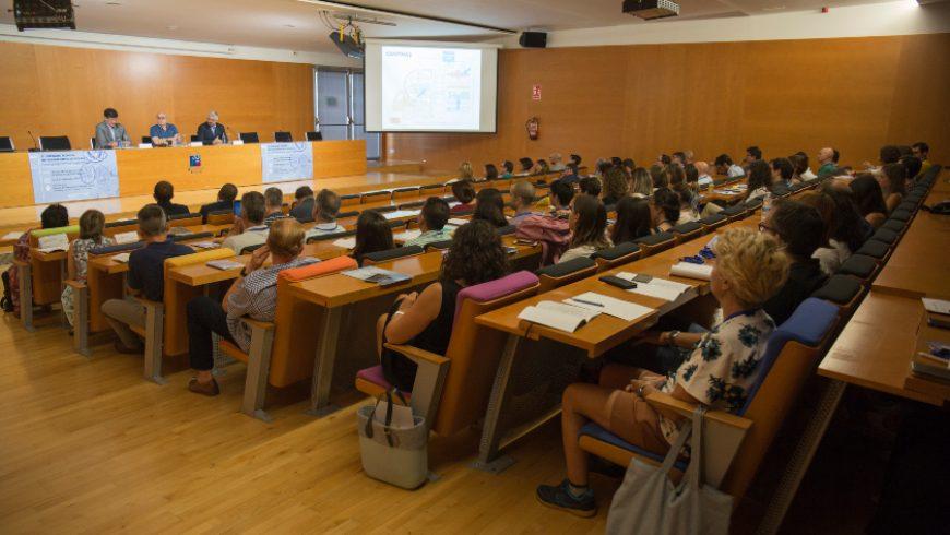 La Cátedra FACSA de Innovación en el Ciclo Integral del Agua de la UJI analiza los retos y aplicaciones de la microbiología en el ciclo integral del agua