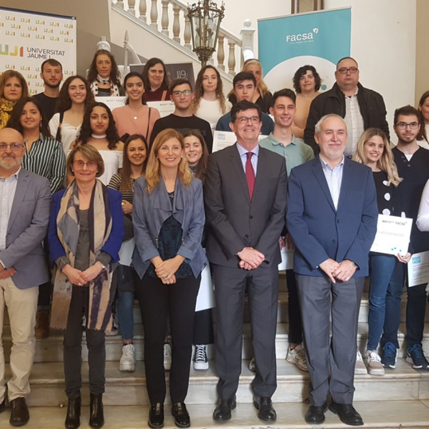 FACSA entrega 25 becas a alumnado de la UJI residente a Castelló