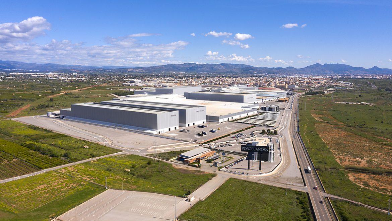 COVID WATER de FACSA se expande al sector empresarial de la mano de PORCELANOSA Grupo