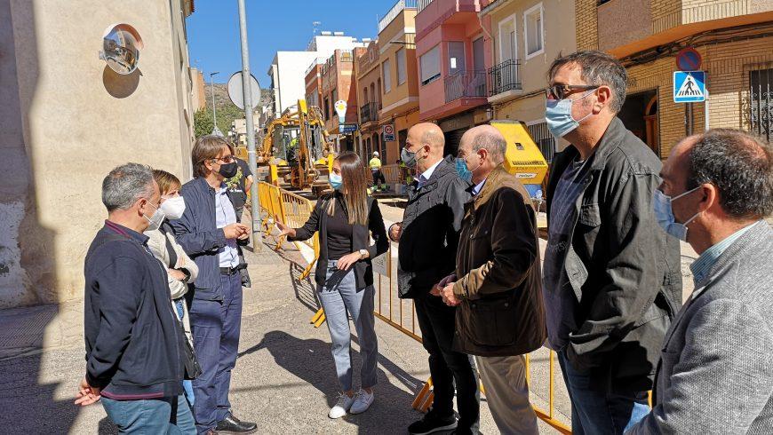 Comienza la ejecución del proyecto de renovación de las infraestructuras hidráulicas y mejora viaria de la calle Xacó