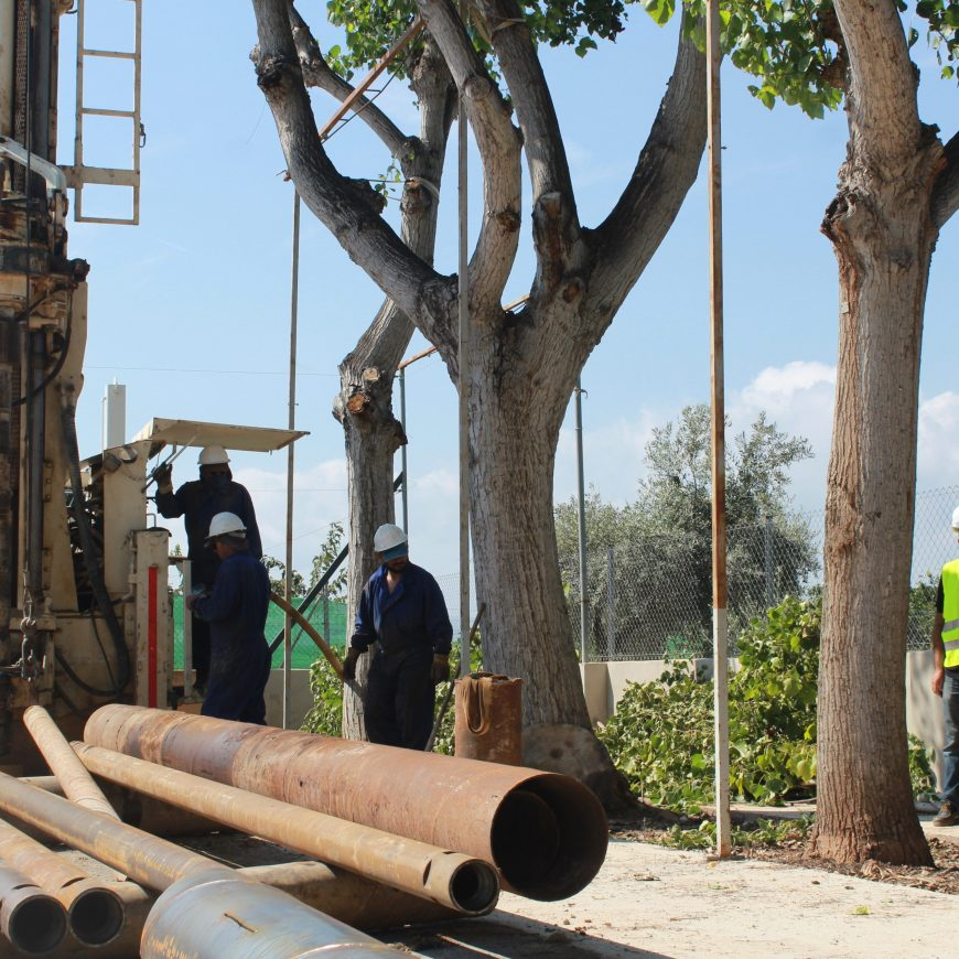 FACSA inicia las obras de perforación para la construcción de un pozo de agua potable en las antiguas escuelas de Santa Bàrbara